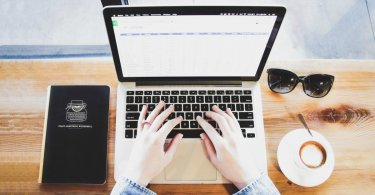 Laptop - Grammar is important therefore you should use Grammarly // heythereChannon